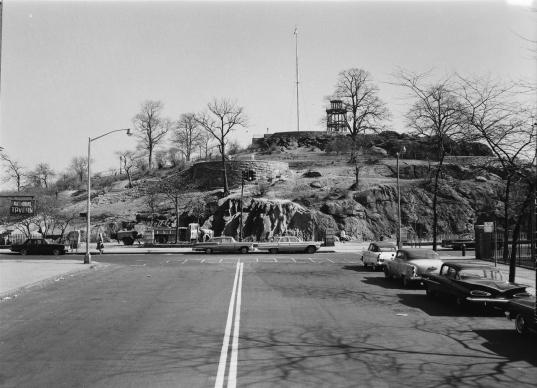 31909_M058_03-29-1963_Mt Morris Park (now Marcus Garvey), site for Lincoln head monument (1280x925)