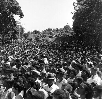 40154_08-11-1968_Harlem Cultural Festival Crowds, Marcus Garvey (formerly Mt Morris) Park_Daniel McPartlin